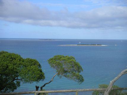 Reportage : Emmanuel Kasarhérou au Centre Tjibaou et Cathy Le Bouteiller sur l'îlot canard dans Nautisme sur LCI