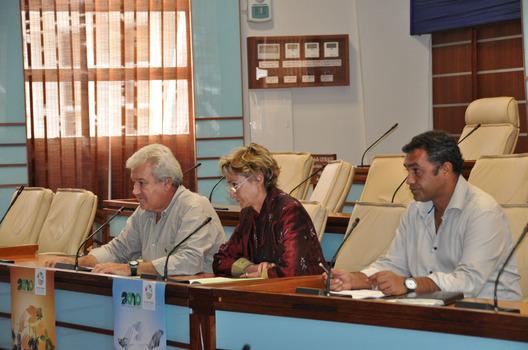 Le Président Harold Martin, Christine Goyetche et Yohann Marcel lors de la conférence de presse